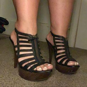 Jessica Simpson Black Gobow Platform Sandal